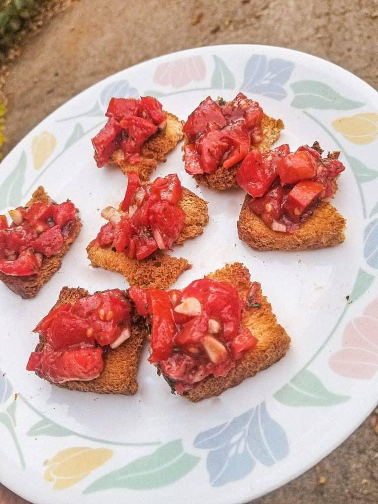 Tomato Bruschetta with Bread