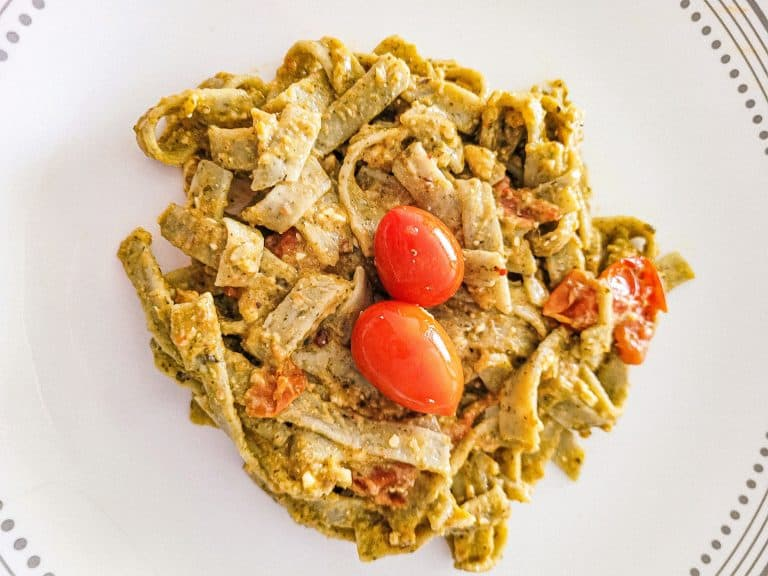 Date Night Pasta With Pesto and Tomatoes